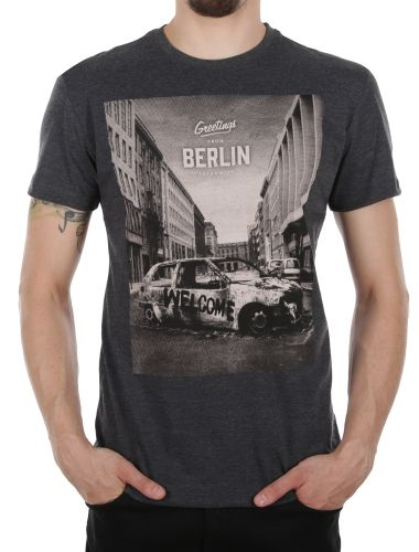 Greetings Tee [anthra mel.] // IRIEDAILY Spring Summer 2015 Collection! - OUT NOW! // TEES & TANKS - MEN: http://www.iriedaily.de/men-id/men-tees/ // LOOKBOOK: http://www.iriedaily.de/blog/lookbook/iriedaily-spring-summer-2015/ #iriedaily