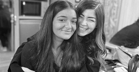 ليلي أحمد زاهر توجه رسالة لأختها دايما هنفضل في ظهر بعض In 2021 News