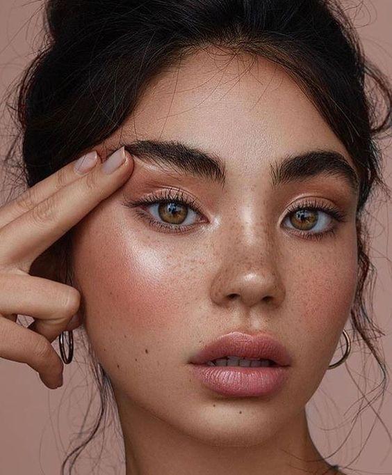 Maquiagem natural é aposta para 2018