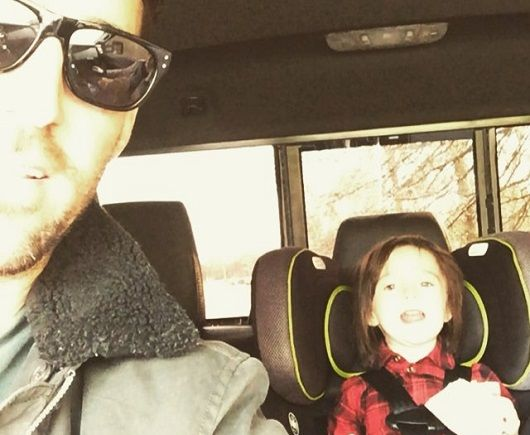 """Watch Jake Owen's Daughter Sing An Adorable Version Of """"Rudolph The Rednosed Reindeer"""""""