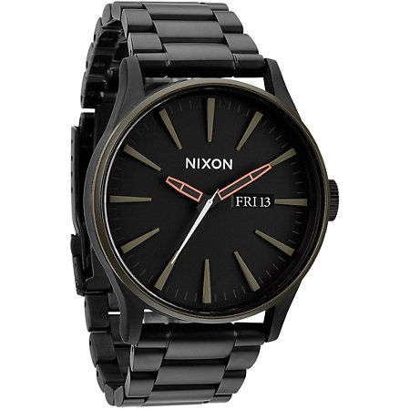 With a durable and sleek construction the Nixon Sentry SS matte black and green analog watch is built for all scenarios. Easily tell the time with Japanese quartz movement and luminous fill with a 100m water resistance on a large black crown with green bezel to protect the Nixon Sentry SS analog watch.