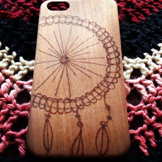 R wood - Atrapa tus sueños. Estilosa carcasa de madera diseñada a mano.