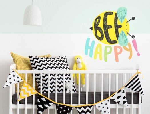 Wandtattoo Babyzimmer Bienen Motiv Mit Bee Happy Schriftzug I Love Wandtattoo De Wandtattoo Babyzimmer Wandtattoo Babyzimmer