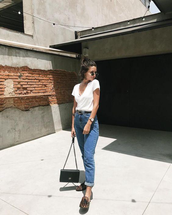 """Victória Rocha on Instagram: """"Difícil demais escolher uma foto só desse look de hoje! A mom's jeans (que vcs tanto amaram nos stories) é da @esmeral_oficial. E a…"""""""