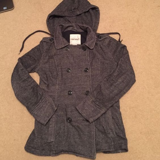 WET SEAL Coat Just in time for the cold months of the year, this barely worn coat is super cute and warm  Wet Seal Jackets & Coats