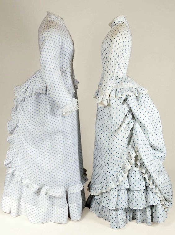 Two afternoon dresses in printed cotton, ca. 1875. Part of the Jacoba de Jonge collection, which is now owned by the Mode Museum in Antwerp. Filep Motwary blog