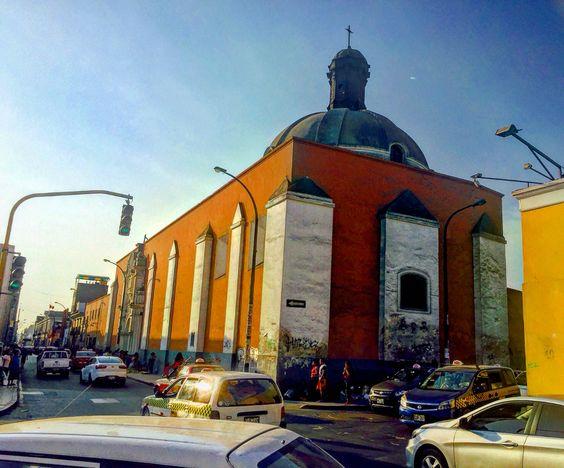 Plaza Italia/ Iglesia San José, Lima