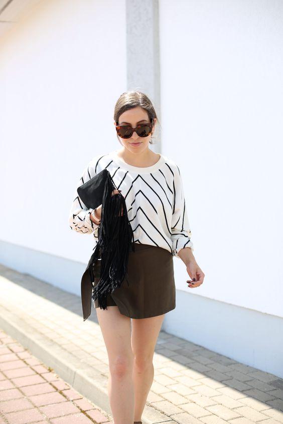 BELTED KHAKI SKORTS | Fiona from thedashingrider.com wears Selected Femme Jumper, H&M Skorts, Zara Bag and Celine Sunglasses #whatiwore