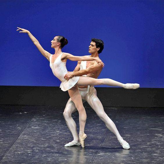 #Frasi sulla #danza http://aforismi.meglio.it/frasi-danza.htm  Grazie alle citazioni e agli aforismi sulla danza si riesce a cogliere la magia (ma anche la bellezza) di quella che è una vera e propria forma d'arte, che sia messa a punto con coreografie o lasciata alla libera creatività.