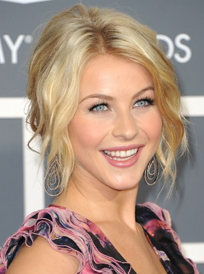 This beach-wavy hairdo, which Julianne Hough wore at the 2011 Grammys, would look great at a casual wedding.