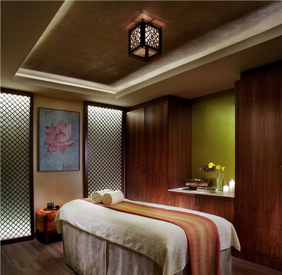 An unwinding massage at The Ritz-Carlton, Bangalore Spa: