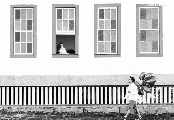 acesse www.fotografe.art.br fotógrafos de casamento. Siga nosso instagram Da janela lateral... Vejo uma igreja...