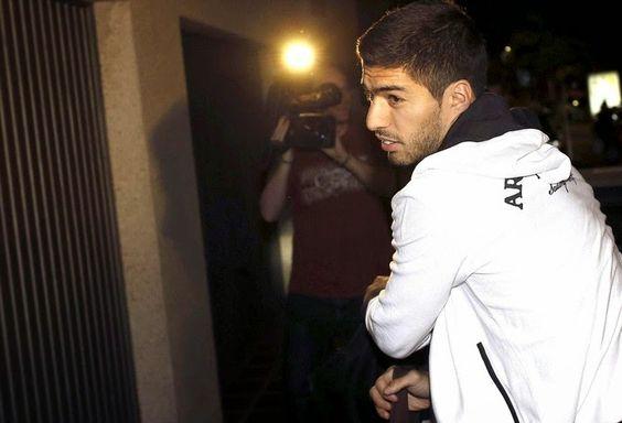 Blog Esportivo do Suíço: Fifa mantém punição a Suárez, mas pena poderá ser reduzida pelo TAS