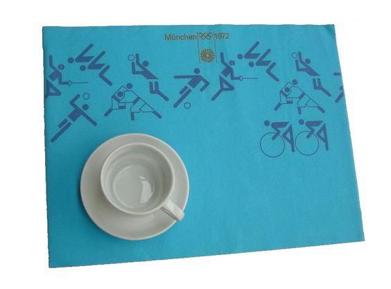Tablettauflage für Sportler 1972:  Natürlich wurde auch das Kantinen-Zubehör...