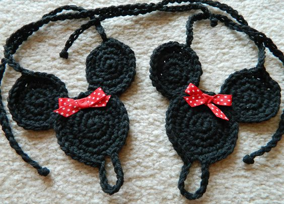 Free Crochet Pattern For Mickey Mouse Shoes : Cuteeee...Minnie mouse toe crochet sandal Crochet ...