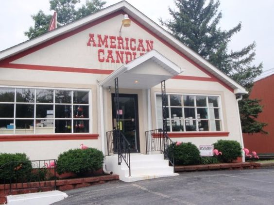 Shop for hand-crafted candles, old-fashioned candy, and gift items ...