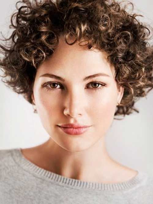 Lovely Short Curly Hairstyles: