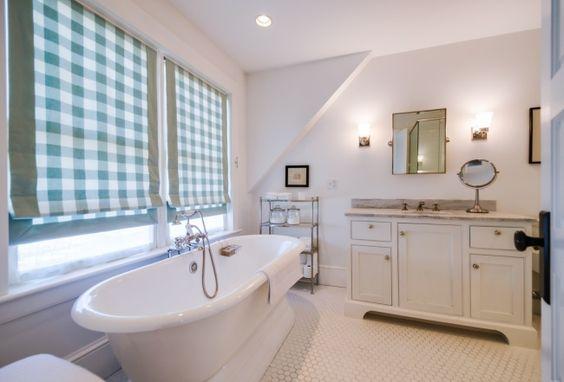 House Tour: Henhurst Interiors - Design Chic #BathroomIdeas #Homes #HomeDecorators