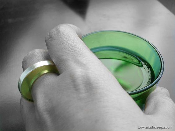 Anillo en plata y resina. Ring Silver and resin. www.ariadnazerpa.com