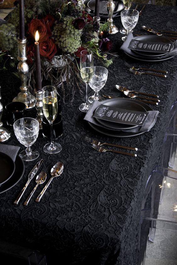 Vous recherchez le décor de table idéal pour votre fête de Noël? Nous vous avons couvert! www.cpartyrentals.com