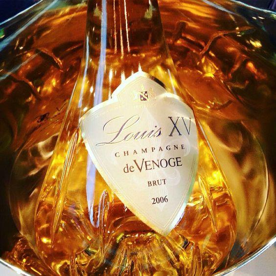 Champagne de Venoge Champagne Louis XV. De la finesse de l'Esthétisme