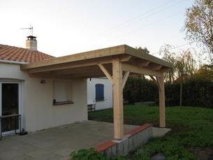 auvent bois toit plat construction