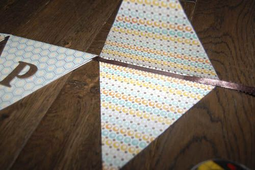 how to make a birthday bunting/pendant banner: Bunting Pendant, Birthday Banners, Birthday Pendant Banner, Baby Pendant Banner, How To Make A Paper Banner, Birthday Party Ideas, How To Make A Birthday Banner, How To Make A Pendant Banner