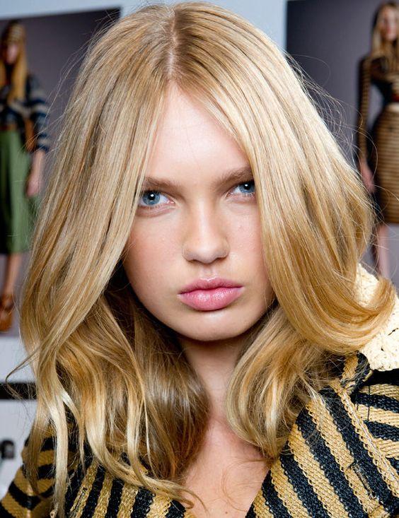 ¿Tienes media melena? Te mostramos las diferentes opciones para llevarla este verano http://www.elle.es/belleza/pelo/media-melena