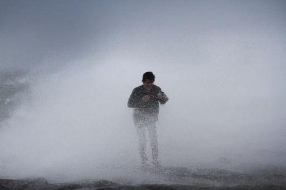 Miles de personas en Filipinas huyen de sus hogares a la llegada del tifón Rammasun. Visite nuestra página y sea parte de nuestra conversación: http://www.namnewsnetwork.org/v3/spanish/index.php