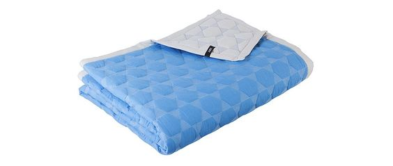 Colcha Polygon Quilt Blue de Hay.  #HAY, #ropadecama, #colcha, #quilt, #bedcover, #dormitorio, #cama, #bed, #textiles, #bedroom.