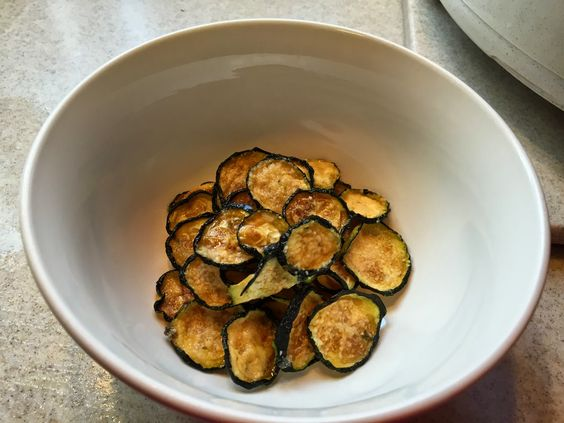 Low Carb Heather: Zucchini Chips