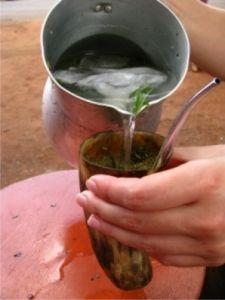 Terére bebida tradicional exclusiva del Paraguay, desde tiempos muy antiguos