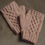 Entwined - via @Craftsy  Free Pattern