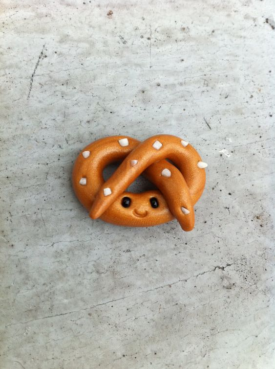 Pretzels charms and happy on pinterest for Easy clay ideas