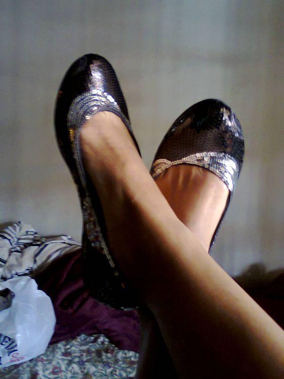 Apaixonada pelos pés e pela humilde sapatilha que os calça!!! hehehehehehe