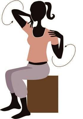 """Yoga fürs Büro - gibt neue Energie - """"Ihr habt keine Zeit zu verlieren, braucht aber neue Energie? Unsere vier Yoga-Übungen fürs Büro helfen beim Kopf-Freipusten und Entspannen."""""""