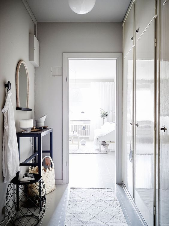 A beautiful Swedish space in calm greys. Stadshem / Jonas Berg / Joanna Bagge.: