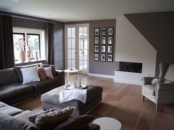 Landelijk wooninspiratie woonkamer of toch donkere gordijnen wel warmer muur is trouwens ook - Grijze wand taupe ...