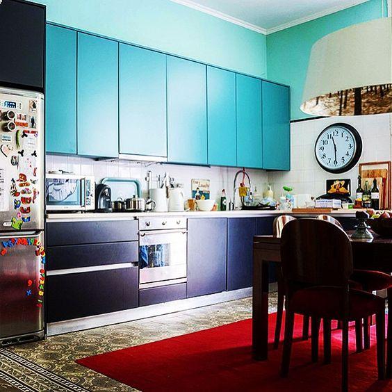 Essa cozinha com esse piso tá um amor só ❤️ #design #interiores #decoração #instahome #homedecor #decor #porto #portugal