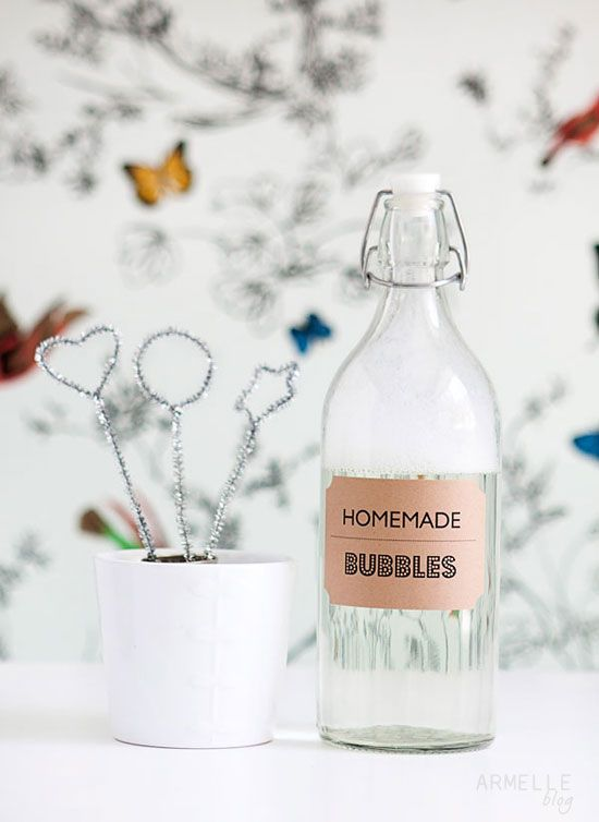 A recipe for homemade bubble solution from Armelle.