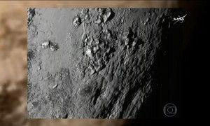 Nasa divulga foto mais próxima e detalhada da superfície de Plutão