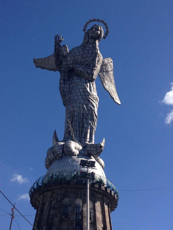 Virgen de El Panecillo de Quito