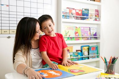 No mês em que comemoramos o Dia Mundial do Livro, nada mais propício ressaltar a importância de ler para uma criança.     Independentemente ...