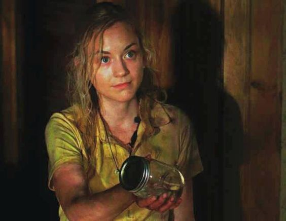 """""""Se vamos ficar presos de novo, vamos deixar as coisas mais confortáveis"""" / """"If we get caught again, let things more comfortable"""" - Beth para Daryl (Still - 412)"""