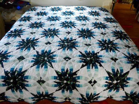 Wedding Star Amish Quilt In Shades Of Teal Amish Quilts Wedding Ring Quilt Amish Quilts For Sale