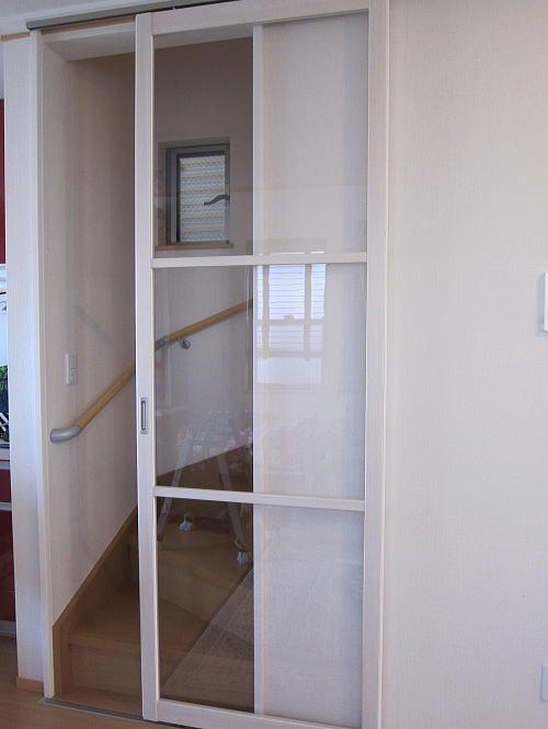 省エネで透明なポリカーボネートの引き戸取付事例 リビング ドア