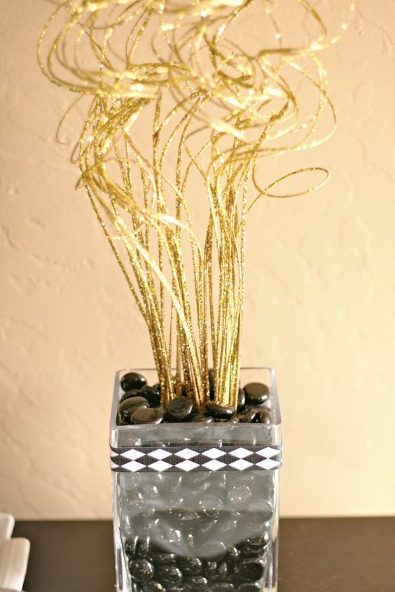 New year 39 s eve decorations centerpieces beads and black - New years eve centerpieces ...