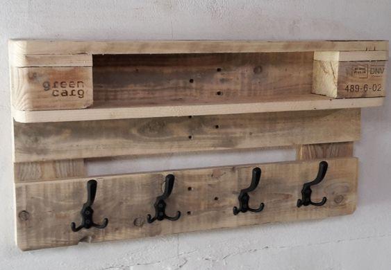 Garderobe Hallig Sudfall Aus Paletten Nur 80cm Breit Palettenmobel In 2020 Diy Pallet Furniture Pallet Furniture Wood Pallet Furniture