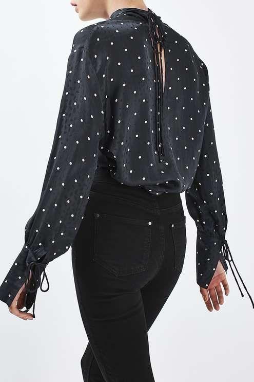 **Gepunktete Bluse mit kurzem Stehkragen von Boutique