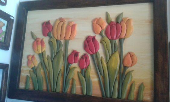 Cuadro tulipanes madera relieve .agua luna villarrica